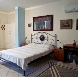 Rent an apartment on Ithaca, bed