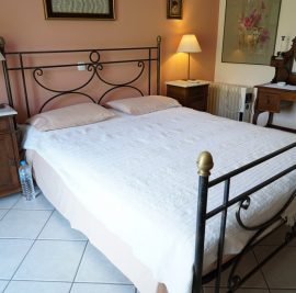 Rent accommodation on Ithaca, double bed